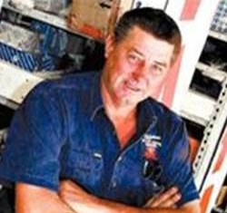 mechanic who learned how to increase his business profits